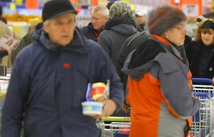 pensionari supermarket